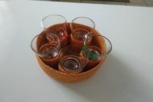 rhum charrette blanc arrange aux pruneaux verres