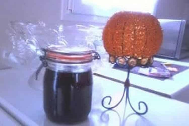 Rhum arrangé tamarin fruit du tamarinier https://edithetsacuisine.fr/wp-content/uploads/2016/10/rhum-arrange-tamarin-graines.jpg