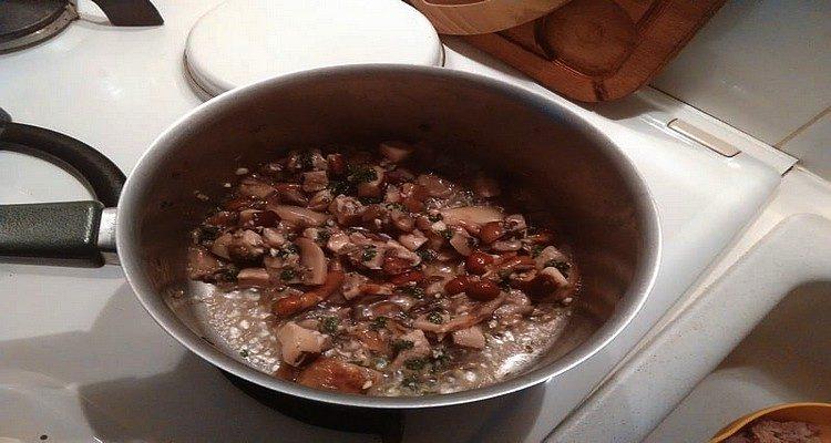 soufflé au thon ail et champignon
