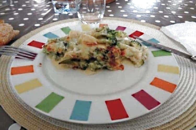 gratin brocoli pomme de terre béchamel assiette