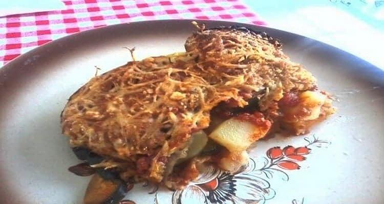 Gratin pommes de terre – lamelles de poivrons grillées au four