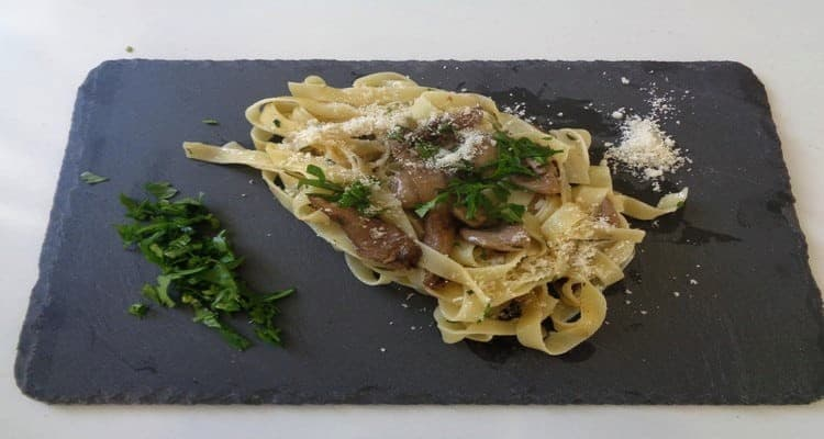 500 gr de tagliatelles champignons plat