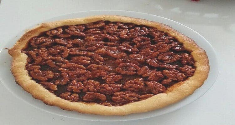 tarte aux noix caramélisées service