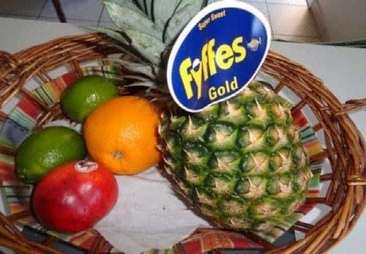 Recette ananas caramélisé (au four) glace parfum vanille.