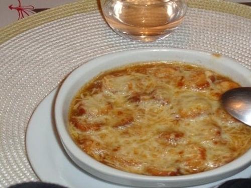 Soupe à l'oignon française - cuisine italienne