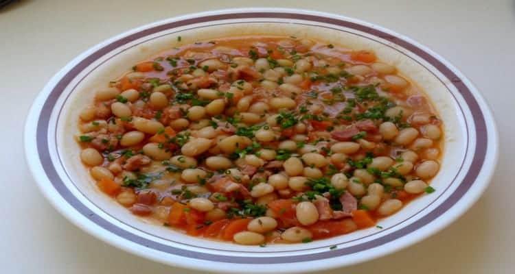 haricots blancs frais tomate lardons le plat