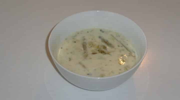 Velouté d'asperges lié à la crème fleurette et au beurre.