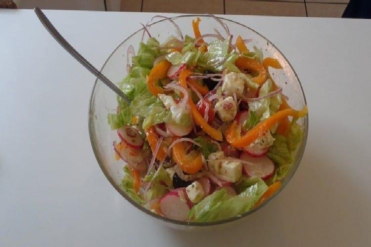 salade grecque saladier de presentation