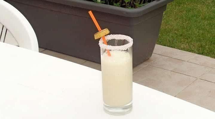Réussir un Milk-Shake Banane Noix de Coco simplement.