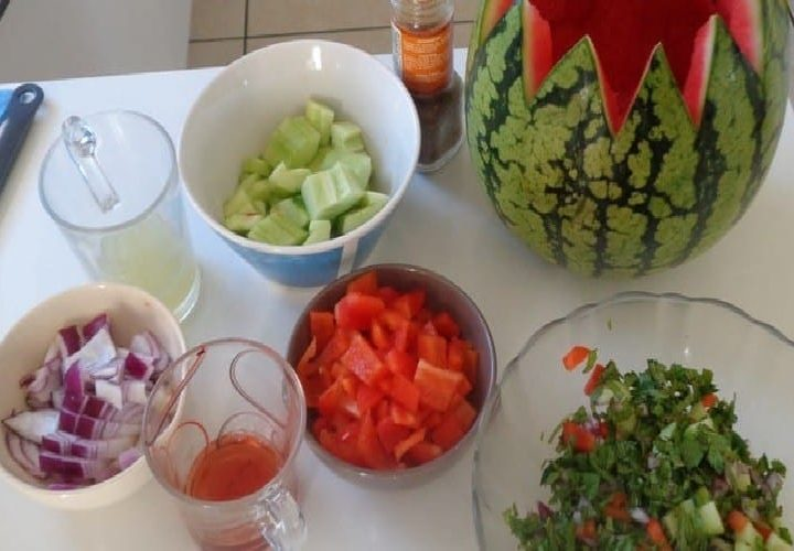 Gaspacho pastèque menthe –  1 recette originale à la pastèque salée.