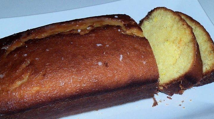 Réussir le cake au citron nappé de sucre glace