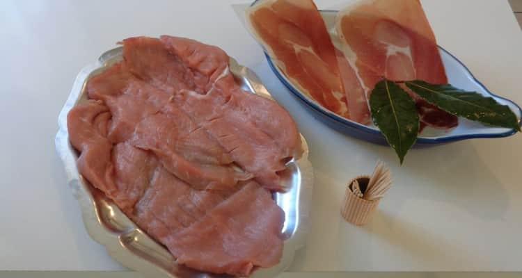 Saltimbocca ou saute en bouche. Escalope de veau jambon de Parme.