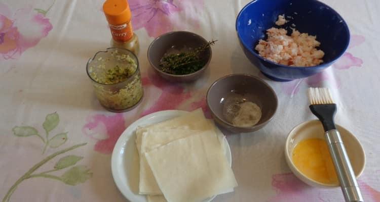 les ingrédients pour faire les raviolis à la crevette