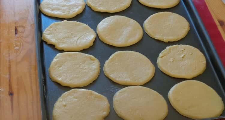 Petit sablé aux mûres, le petis diques de pâte à cuire
