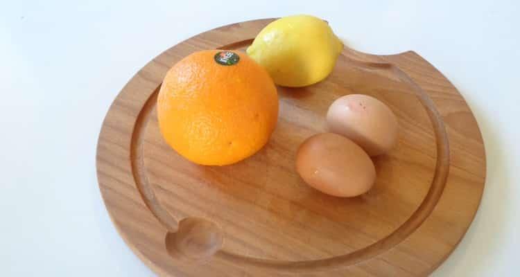 Tarte au Beurre d'Orange | cuisson de la garniture au bain-marie https://edithetsacuisine.fr/wp-content/uploads/2019/09/ingredients-pour-faire-la-tarte-au-beurre-dorange.jpg