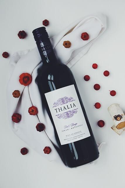 vin rouge pour préparer la sauce grand veneur