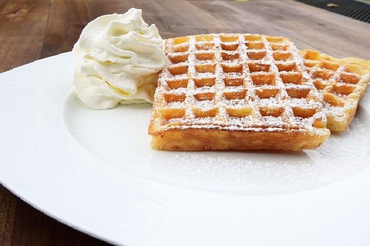 Pâte à gaufre légère et croustillante sans beurre.