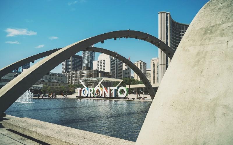 Nathan Phillips Square - Université de Toronto - Campus St. George