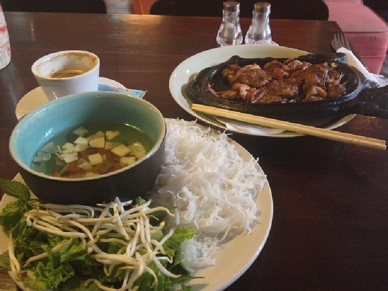 Vietnamese cuisine - Da Nang - spécialités culinaires à savourer au Vietnam