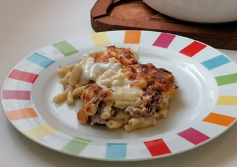 Cuisine américaine - Petit déjeuner - Gratin de pâtes viande hachée assiette