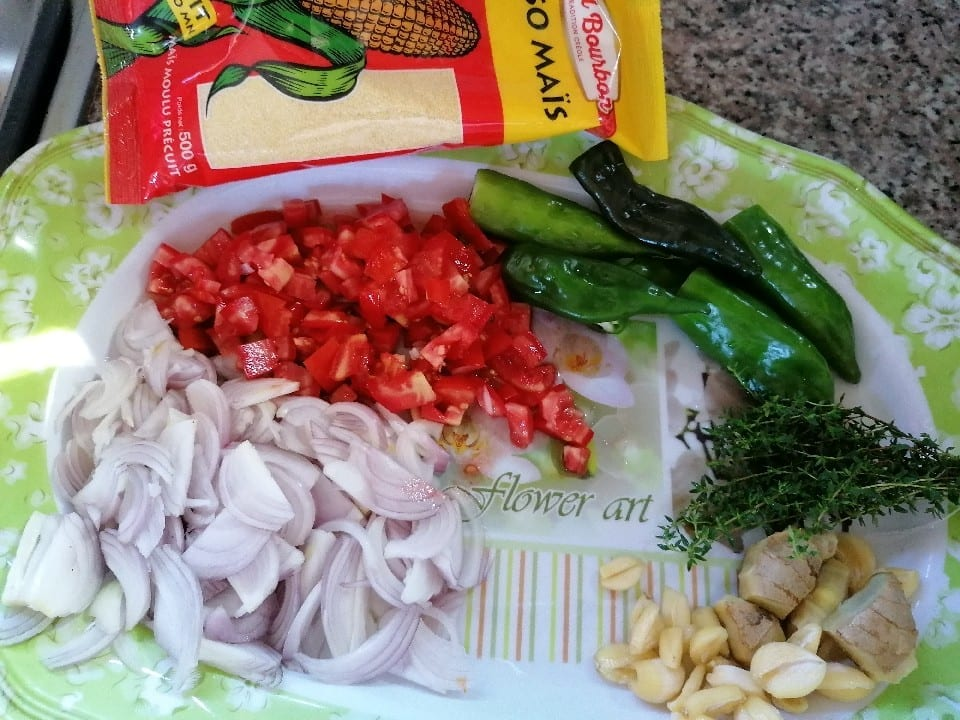 ingrédient pour le cari pied de porc - Cuisine végétarienne - Légume-feuille