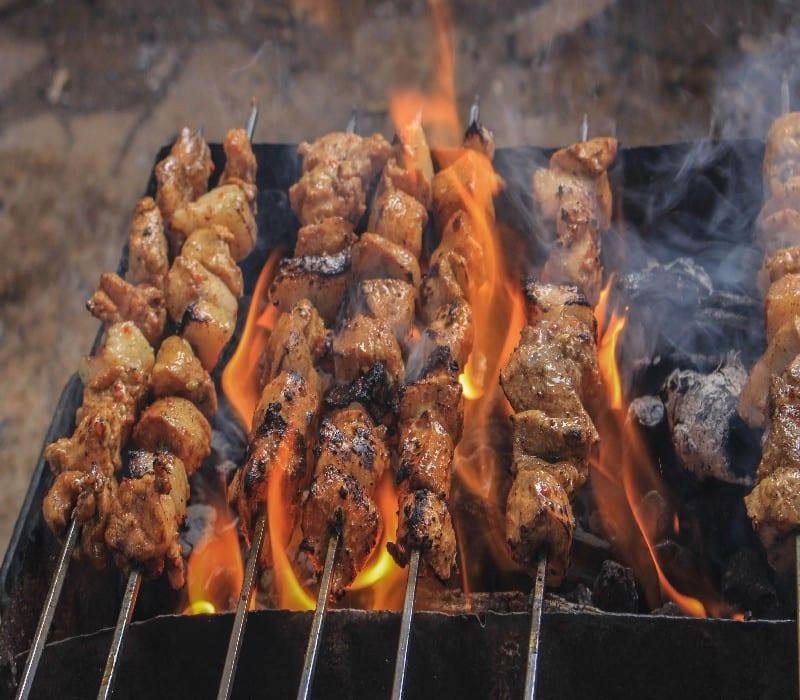 barbecue portable au charbon de bois