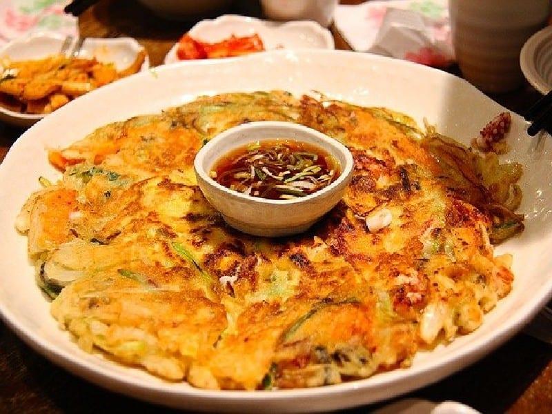 Korean cuisine - Kimchi-buchimgae - séjour en corée du sud-