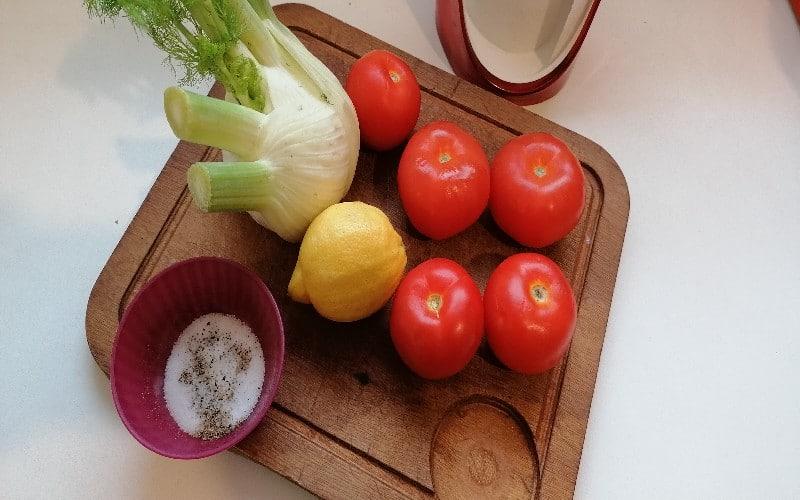 Tomate - Nourriture naturelle - ingrédients pour les filets de maquereaux