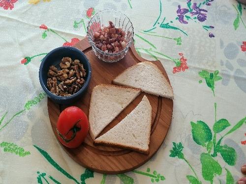 salade de chèvre chaud, noix,pain de mie
