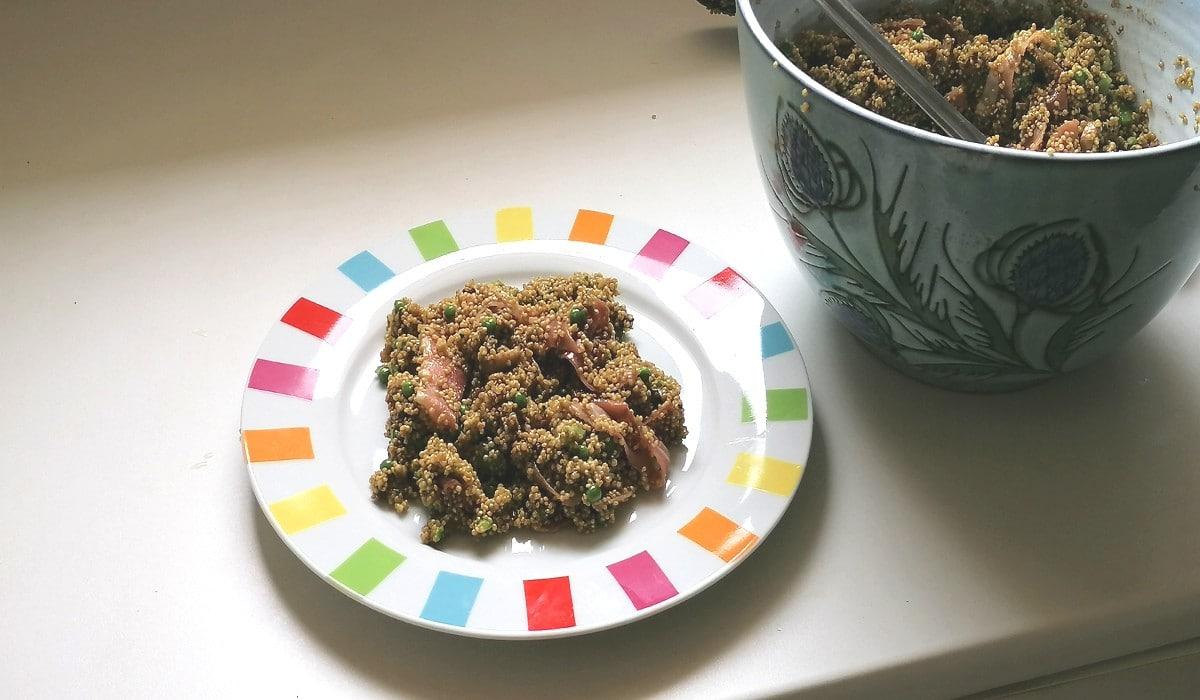 salade de quinoa dans le saladier