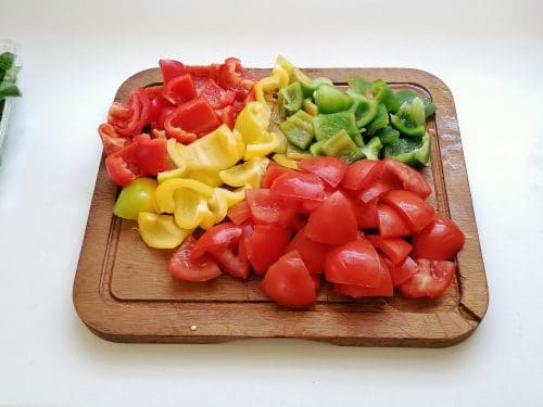 tomate poivrons vert jaune rouge