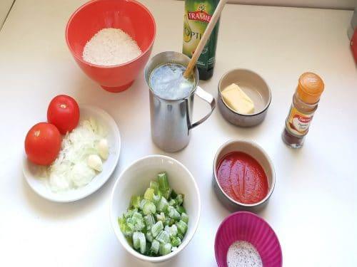 tous les ingrédients pour le riz rouge mexicain